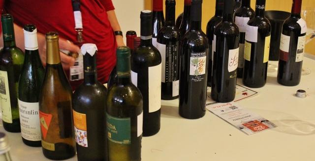 sehr viel Wein