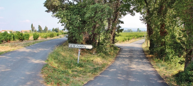 Kleine Straßen im Rhônetal