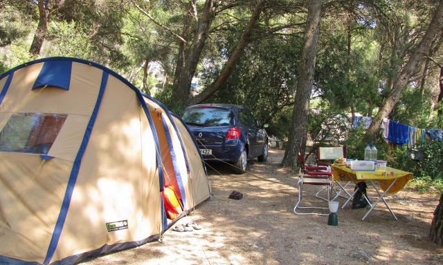 Zelten bei Mouriès