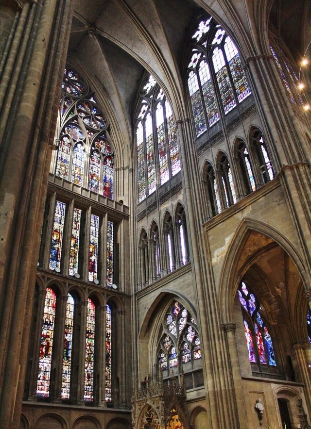 15 Kathedrale innen