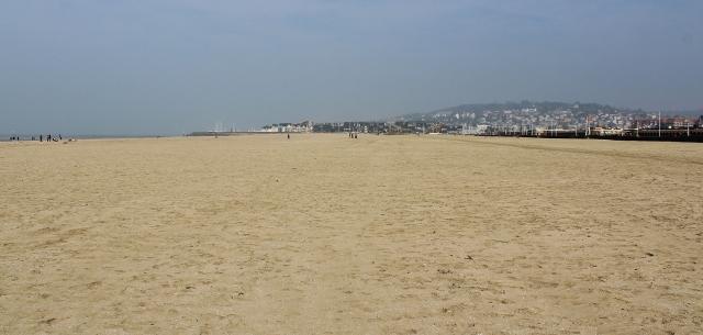 11 Deauville Strand